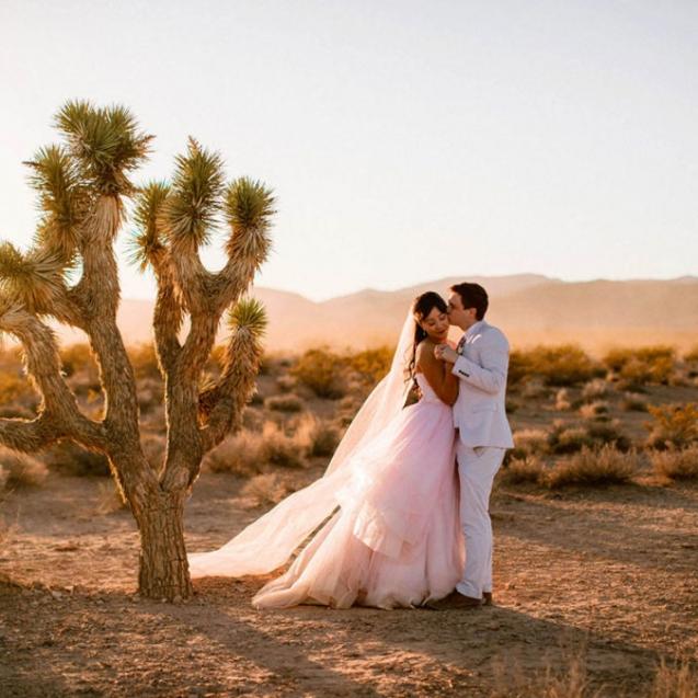 Las-Vegas-Elvis-Vow-Renewal-Rebecca-Jonathan-406-1080x675